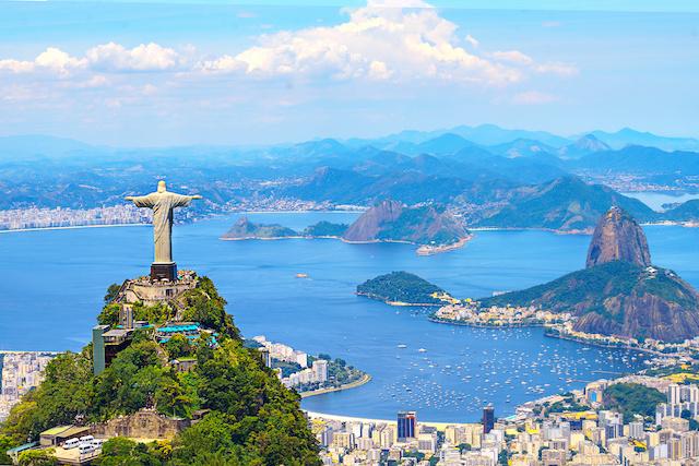 Skyline von Rio de Janeiro mit Cristo Redeemer und Corcovado (Zuckerhut). Brasilien, Lateinamerika